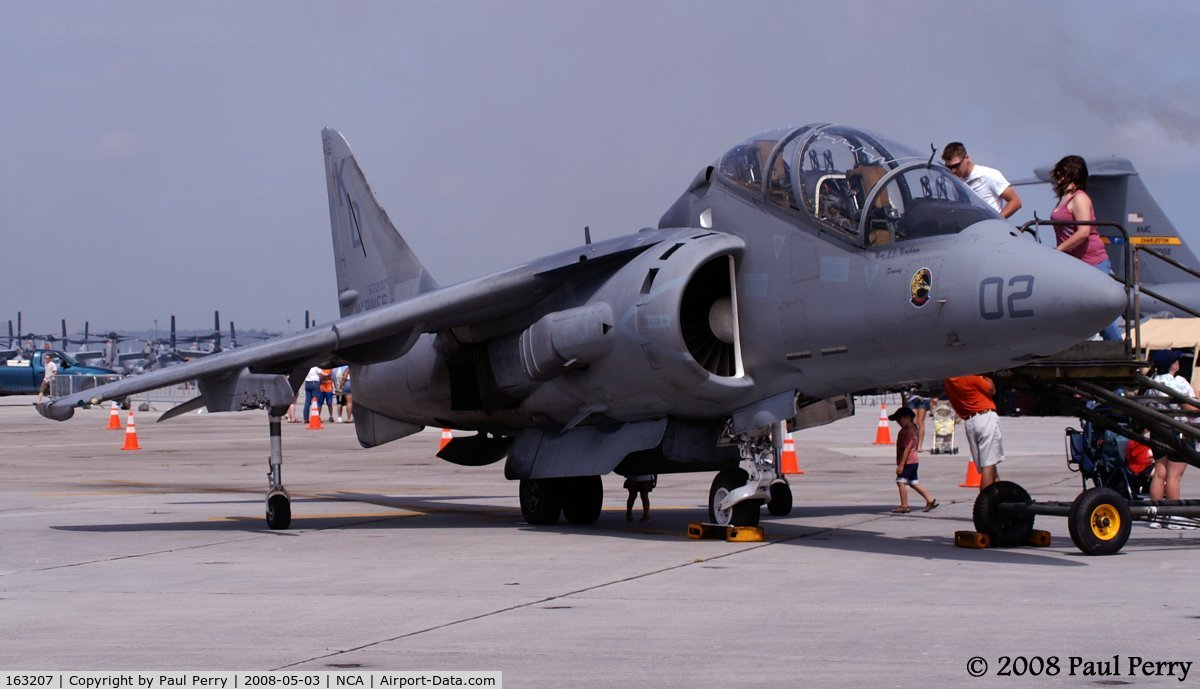 163207, McDonnell Douglas TAV-8B Harrier II C/N T009, Single or twin seat, I love her stance