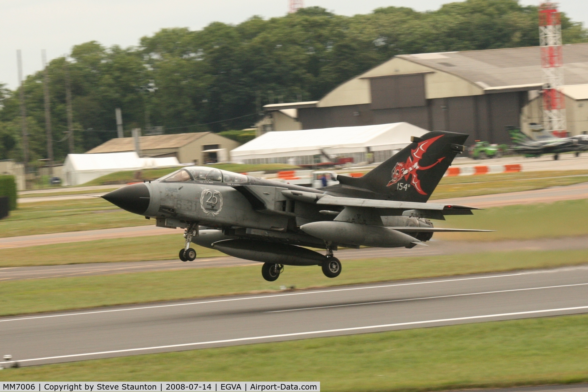 MM7006, 1982 Panavia Tornado IDS C/N 102/IS005/5008, Taken at the Royal International Air Tattoo 2008 during arrivals and departures (show days cancelled due to bad weather)