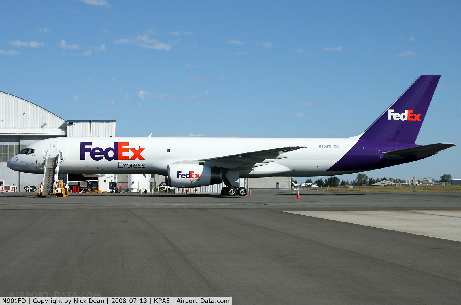 N901FD, 1993 Boeing 757-2B7 C/N 27122, 1st 75 for Fed Ex