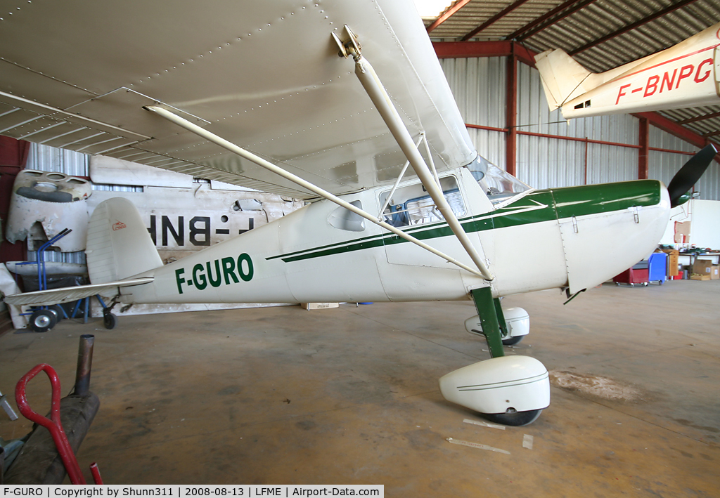 F-GURO, 1946 Cessna 140 C/N 8069, On his hangar...