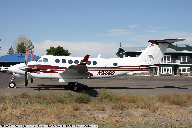 N910BD, Raytheon Aircraft Company B300 C/N FL-483, /