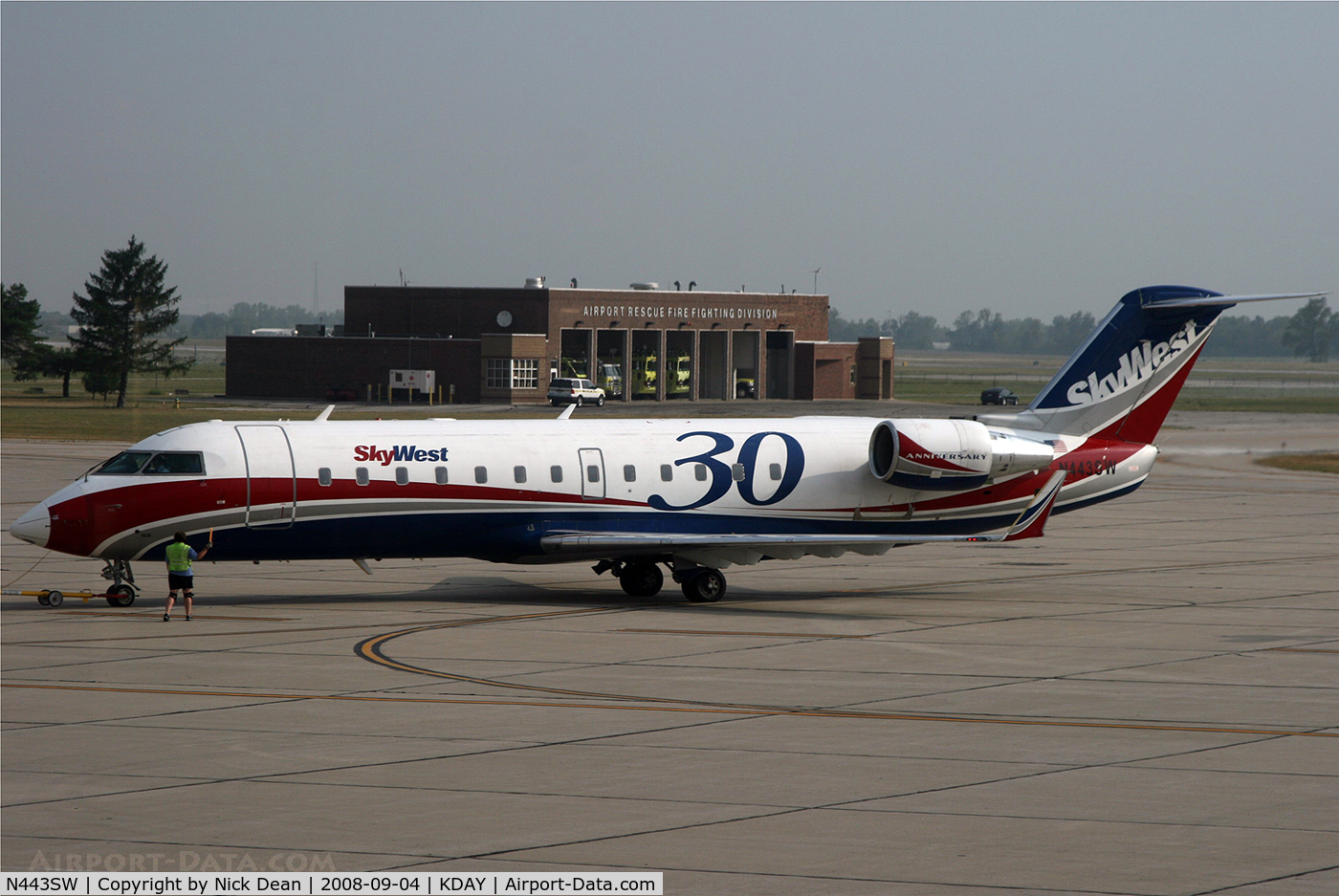 N443SW, Bombardier CRJ-200LR (CL-600-2B19) C/N 7638, Flew in this from ORD-DAY