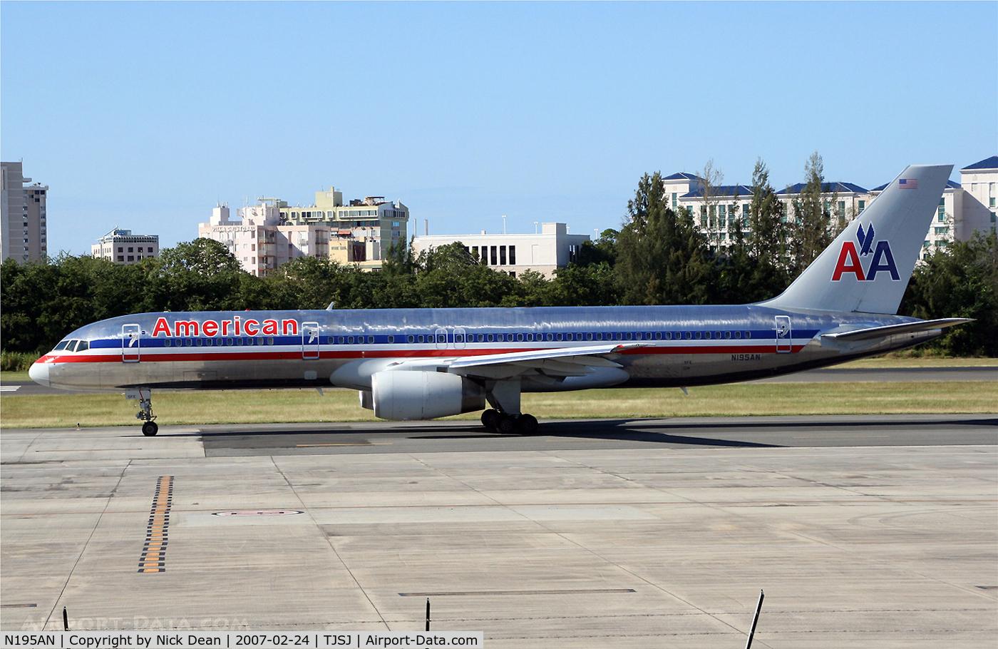 N195AN, 2001 Boeing 757-223 C/N 32389, /