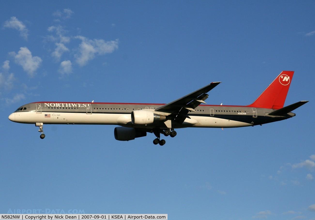 N582NW, 2002 Boeing 757-351 C/N 32981, /
