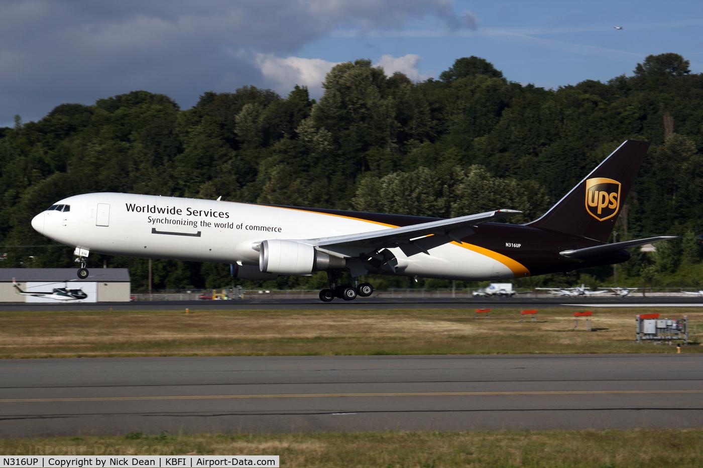 N316UP, 1997 Boeing 767-34AF C/N 27744, /