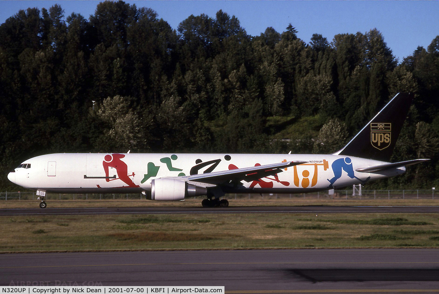 N320UP, 1997 Boeing 767-34AF C/N 27747, Special scheme for the Olympic Games