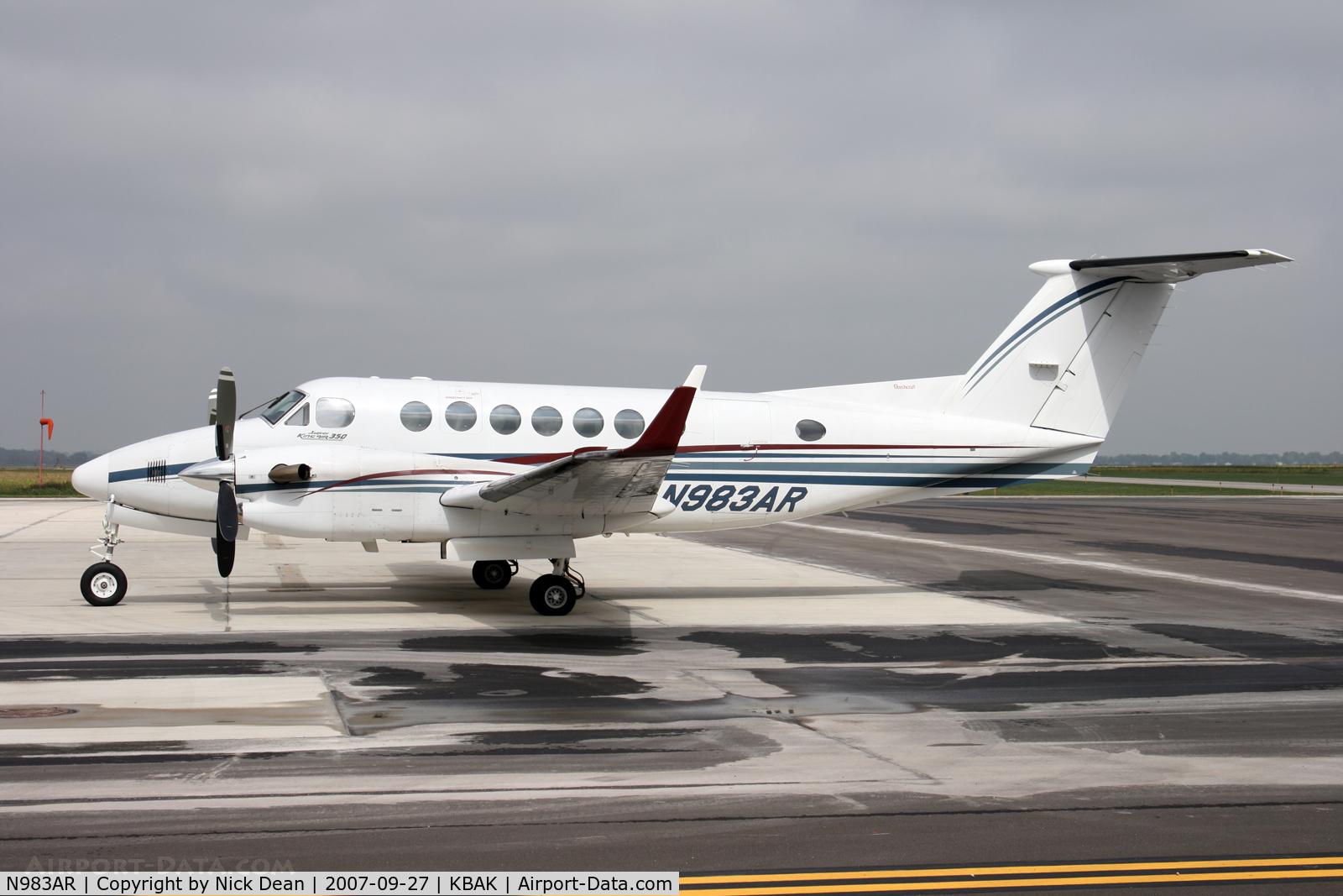 N983AR, 1999 Raytheon Aircraft Company B300 C/N FL-242, KBAK