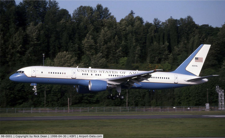 98-0001, 1998 Boeing VC-32A (757-200) C/N 29025, KBFI (Seen here carrying test reg N3519L)