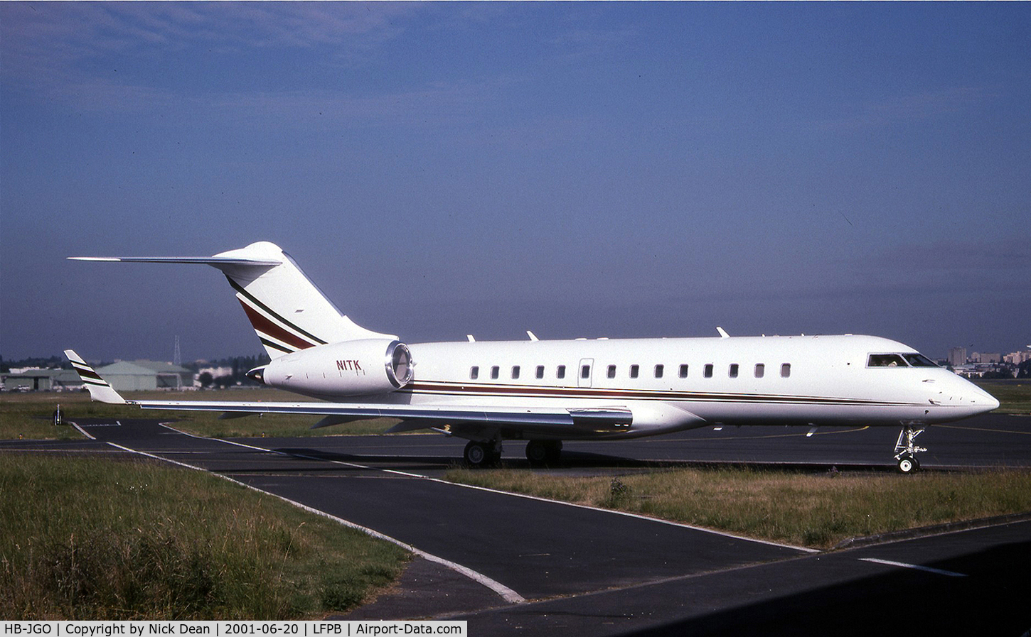 HB-JGO, 1997 Bombardier BD-700-1A10 Global Express C/N 9004, LFPB (Formerly C-FKGX seen here as N1TK and currently registered as posted HB-JGO)