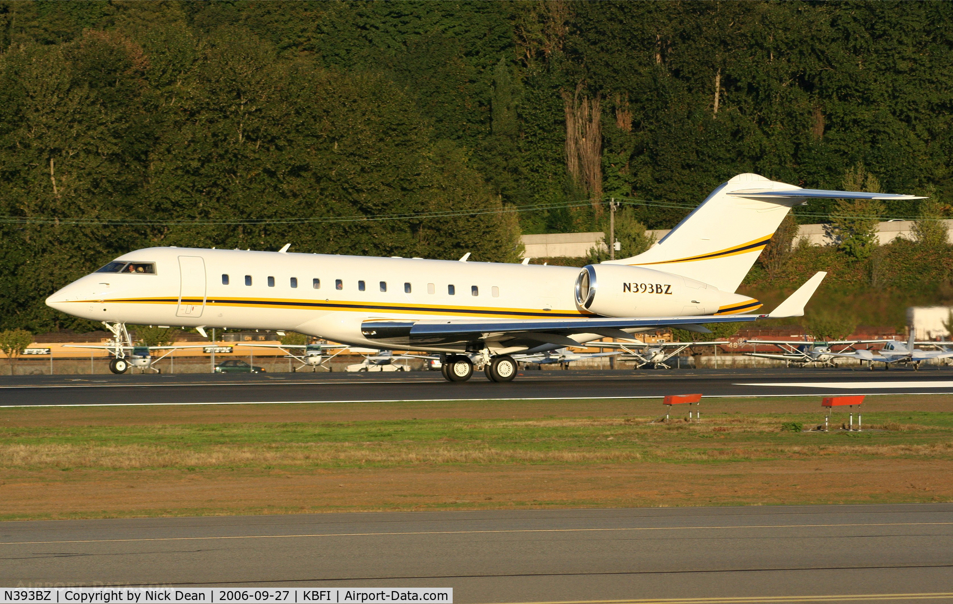 N393BZ, 1999 Bombardier BD-700-1A10 Global Express C/N 9022, KBFI