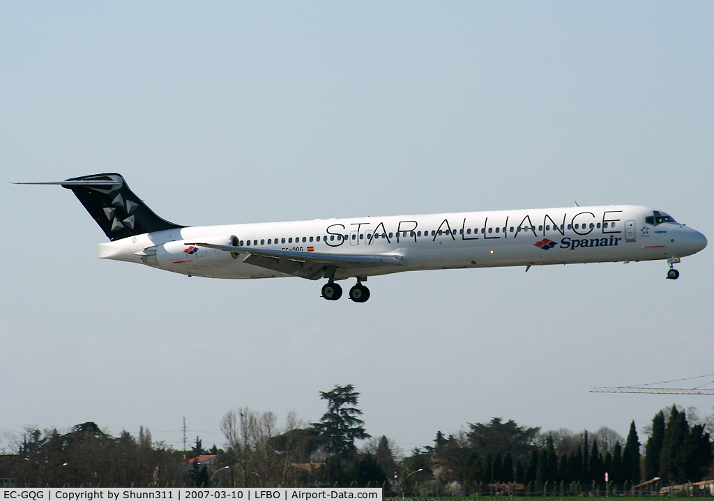 EC-GQG, 1988 McDonnell Douglas MD-83 (DC-9-83) C/N 49577, Landing rwy 32R