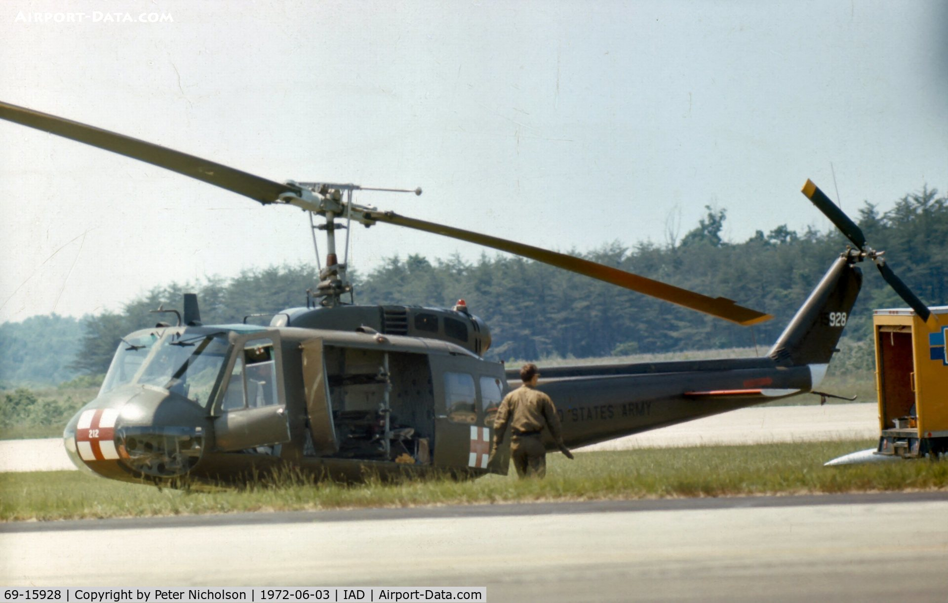 69-15928, 1969 Bell UH-1H Iroquois C/N 12216, 212 Med Det from Ft. Meade provided emergency services at Transpo 72 at Dulles Airport