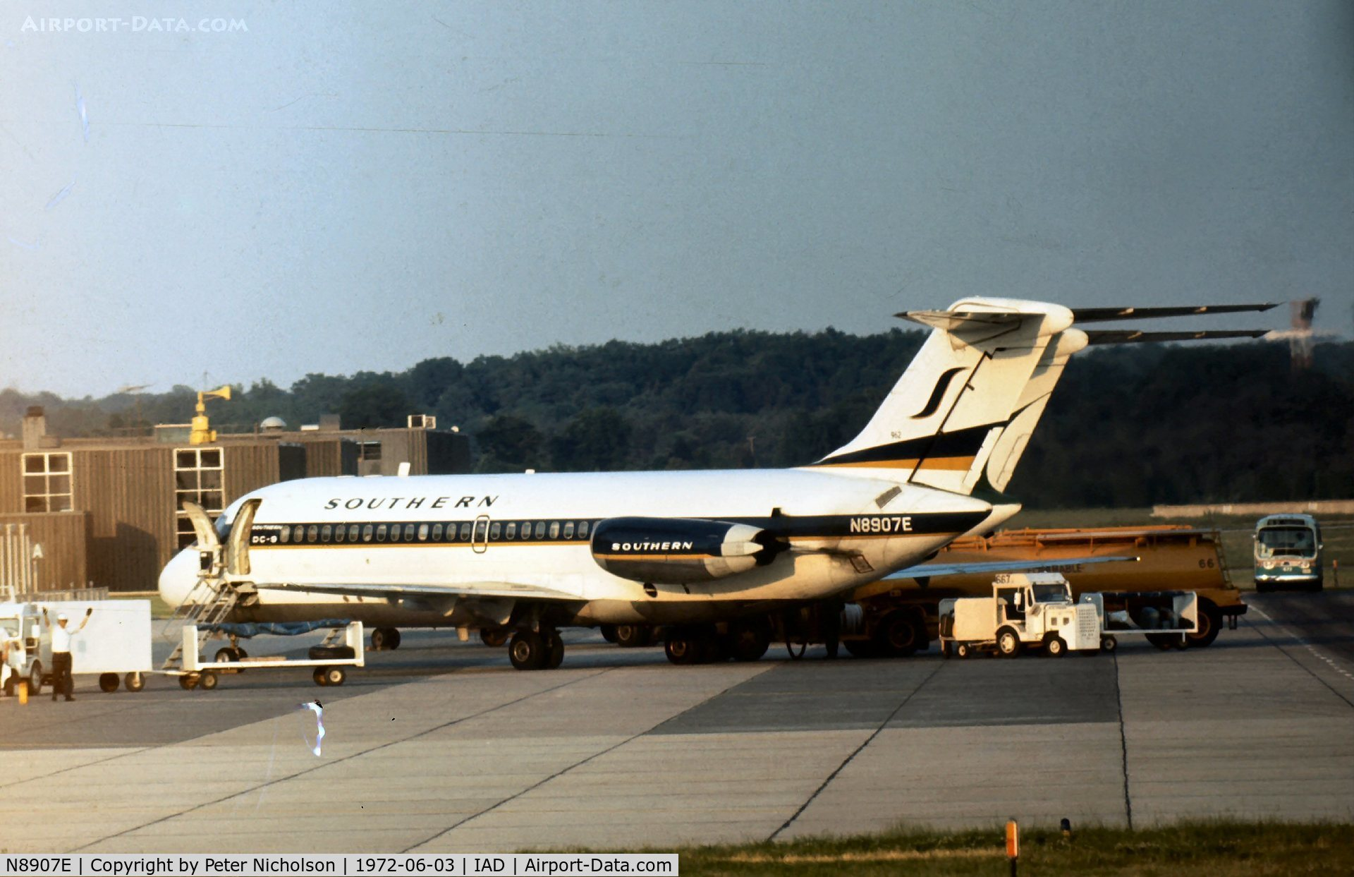 N8907E, Douglas DC-9-14 C/N 45748, This aircraft was operated by Southern Airways in 1972.
