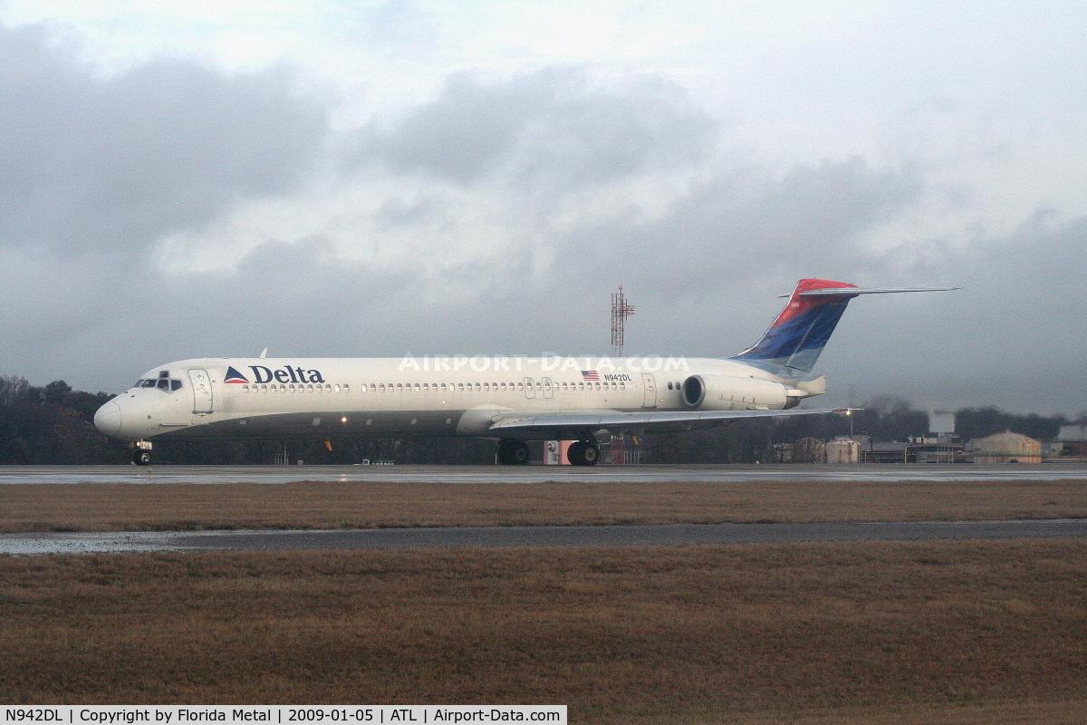 N942DL, 1989 McDonnell Douglas MD-88 C/N 49815, Delta MD-88