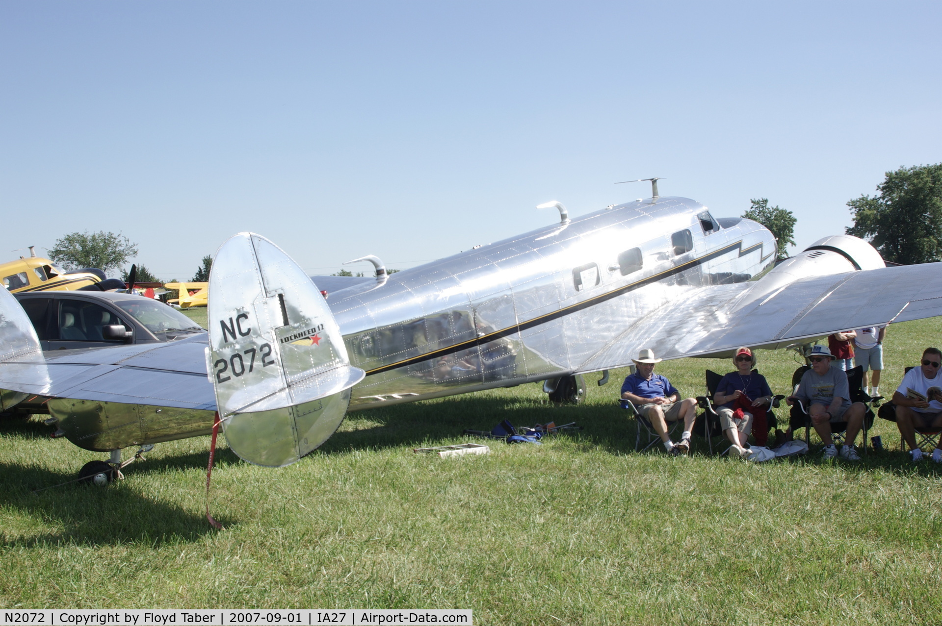 N2072, 1936 Lockheed 12A Electra Junior C/N 1208, Blakesburg Antique Fly In