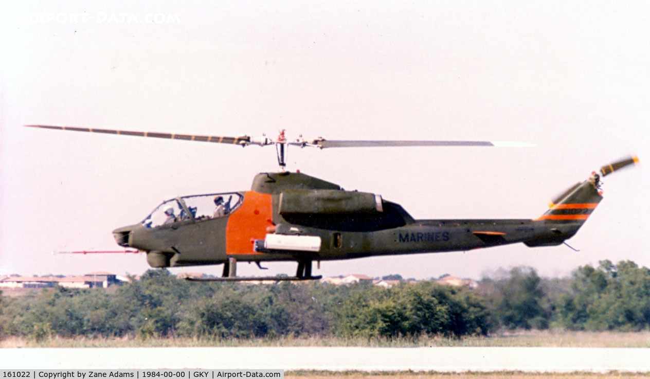 161022, Bell AH-1W Super Cobra C/N 26927, USMC AH-1W Protoype (converted by Bell from AH-1T - later with 4-bladed rotor, later developed into the AH-1Z.