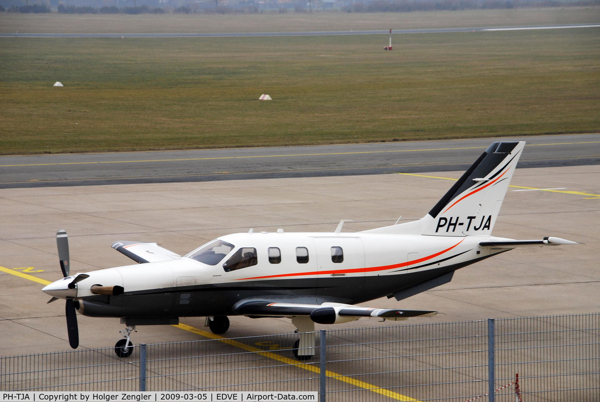 PH-TJA, 2007 Socata TBM-850 C/N 428, Socata TBM-700