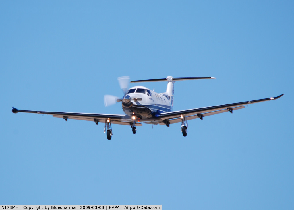 N178MH, 2008 Pilatus Aircraft Ltd PC-12/47 C/N 875, On final approach to 17L.