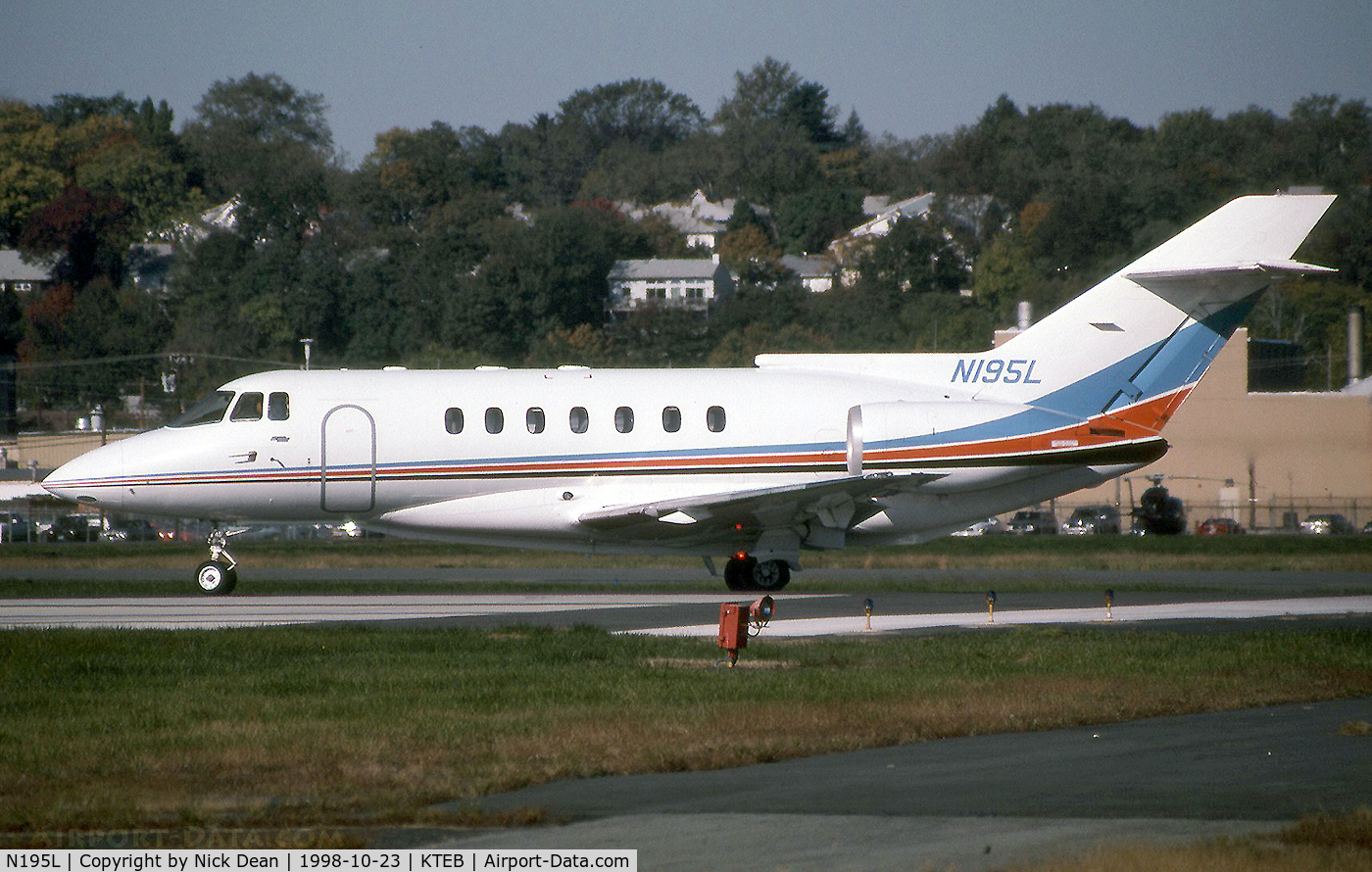 N195L, 1992 British Aerospace BAE125 HAWKER 1000B C/N 259008, KTEB