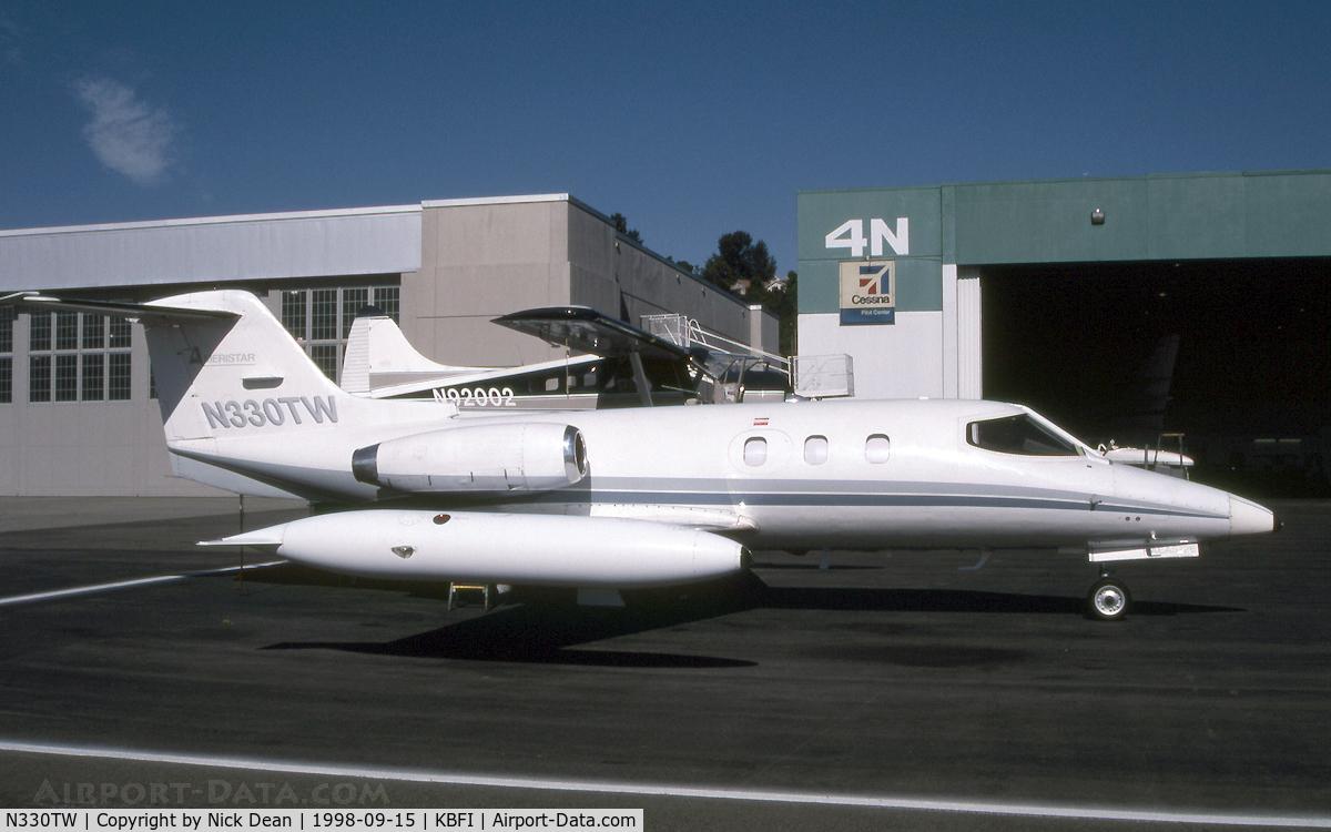 N330TW, 1976 Gates Learjet 24E C/N 330, KBFI