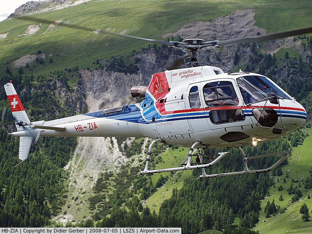 HB-ZIA, 2006 Eurocopter AS-350B-3 Ecureuil C/N 4163, At Samedan Airport