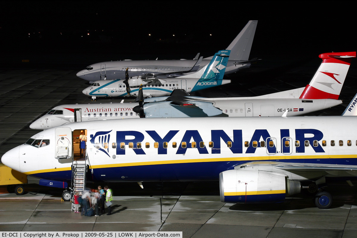 EI-DCI, 2004 Boeing 737-8AS C/N 33567, Late evening flight to HHN (behind OE-LGA, I-ADLP and N2TS)