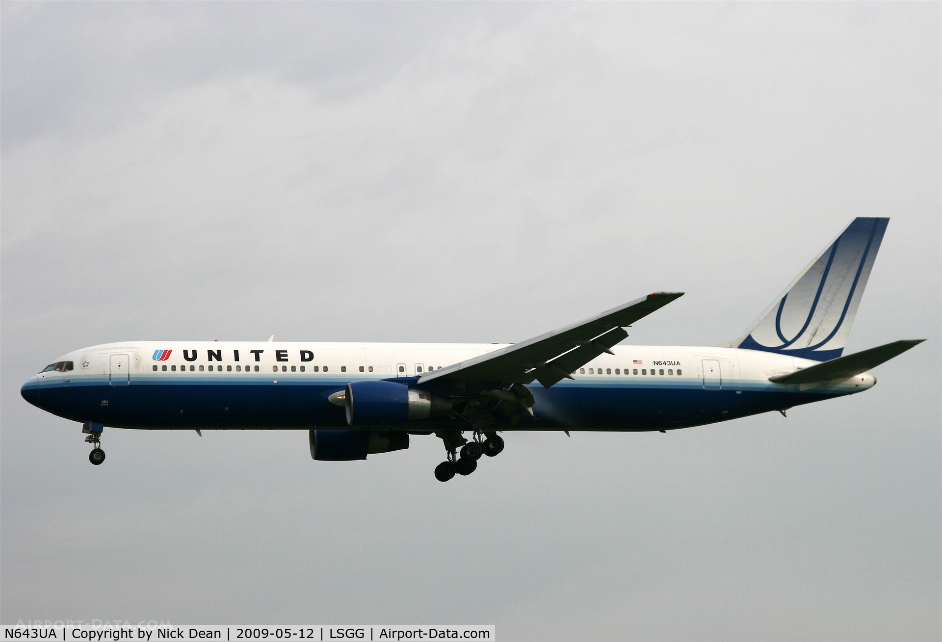 N643UA, 1991 Boeing 767-322/ER C/N 25093, LSGG