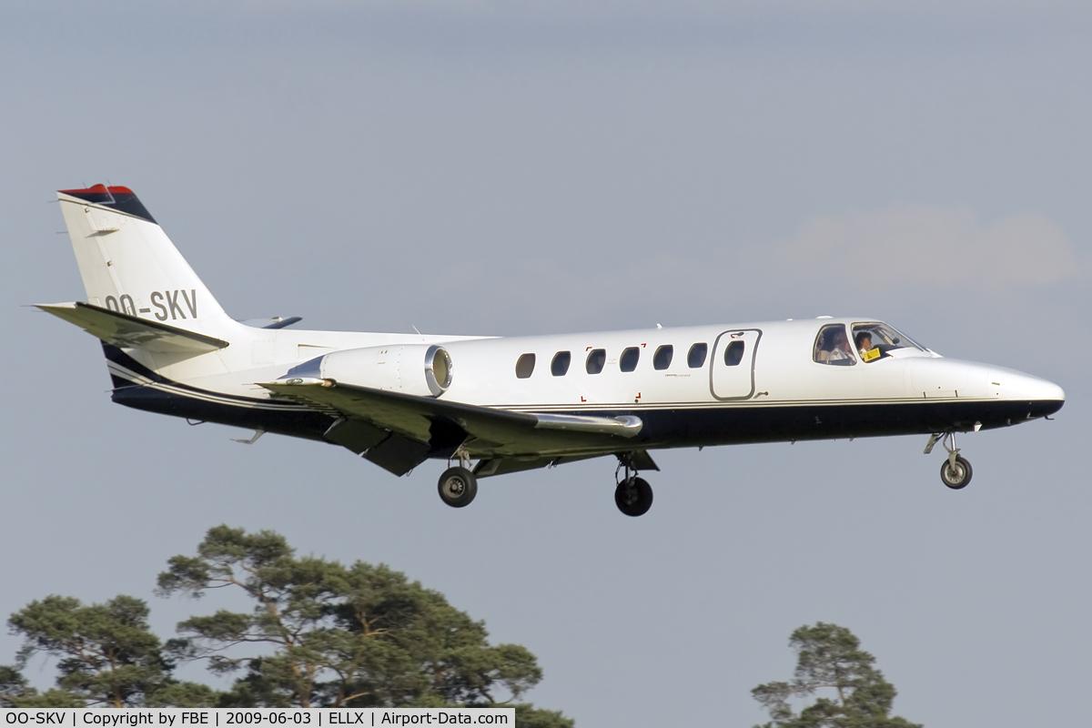 OO-SKV, 1996 Cessna 560 Citation V C/N 560-0153, short final at ELLX
