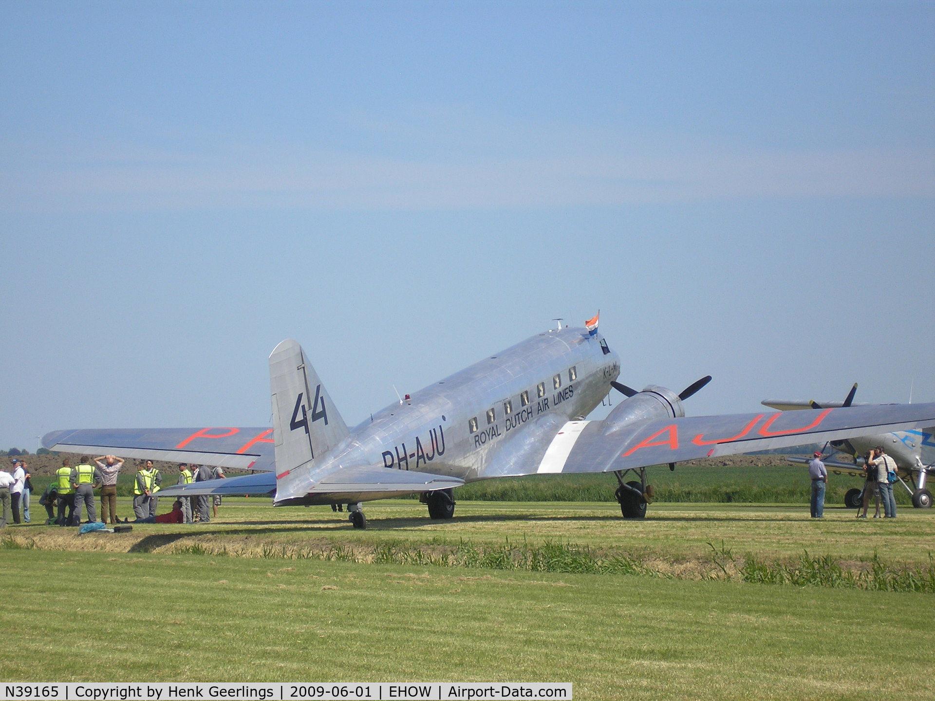N39165, 1935 Douglas DC-2 C/N 1404, Oostwold  Airport  Airshow june 2009