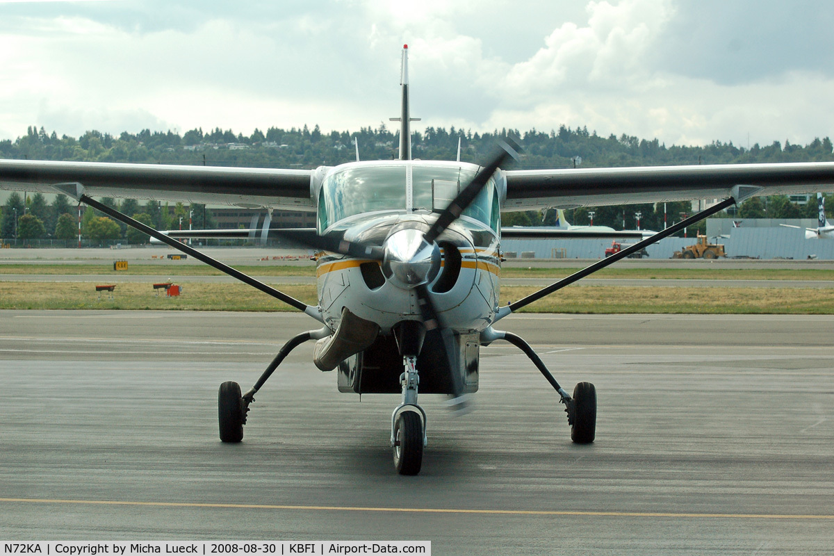 N72KA, 1992 Cessna 208B C/N 208B0326, At Boeing Field