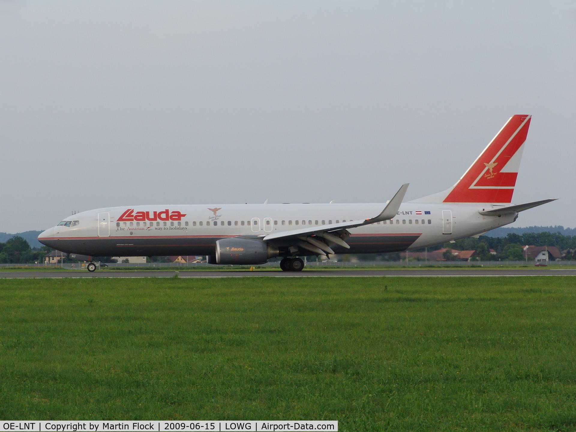 OE-LNT, 2006 Boeing 737-8Z9 C/N 33834, .