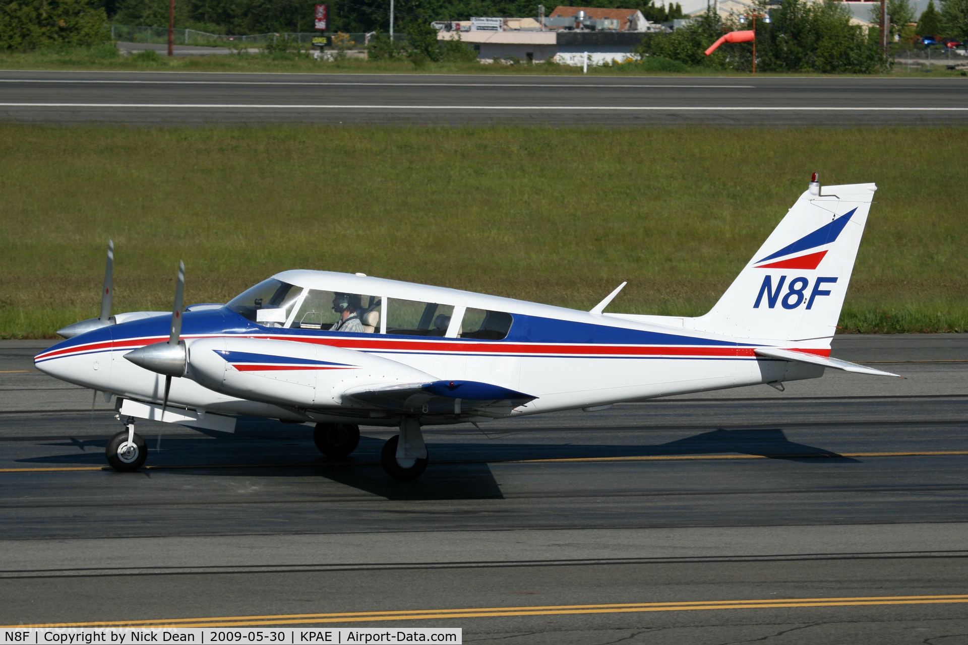 N8F, 1966 Piper PA-30-160 Twin Comanche C/N 30-1312, KPAE