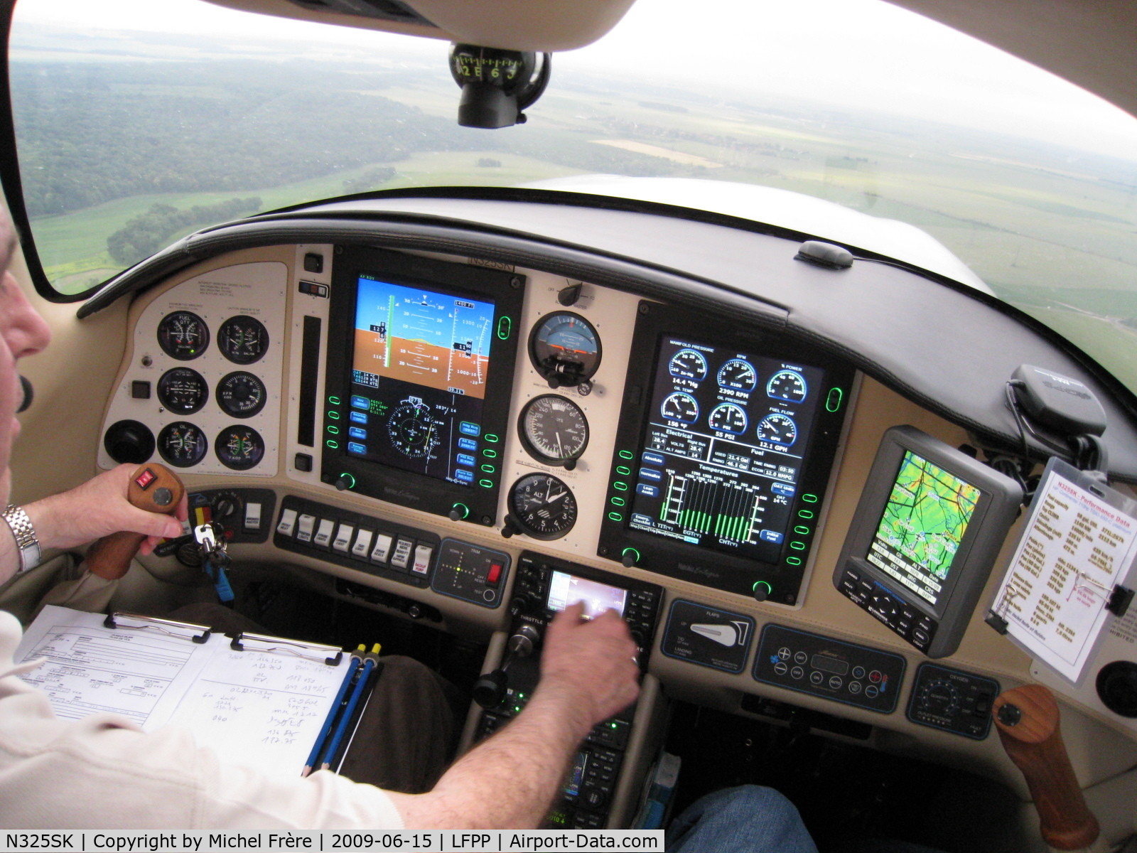 N325SK, 2005 Lancair LC41-550FG C/N 41528, Just before landing at LFPP