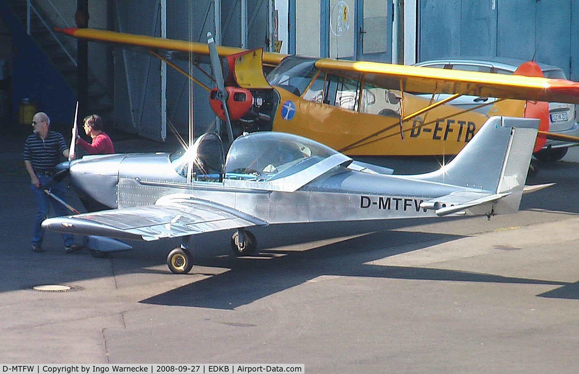 D-MTFW, Aerostyle Breezer C/N 030, Aerostyle Breezer at Bonn-Hangelar airfield