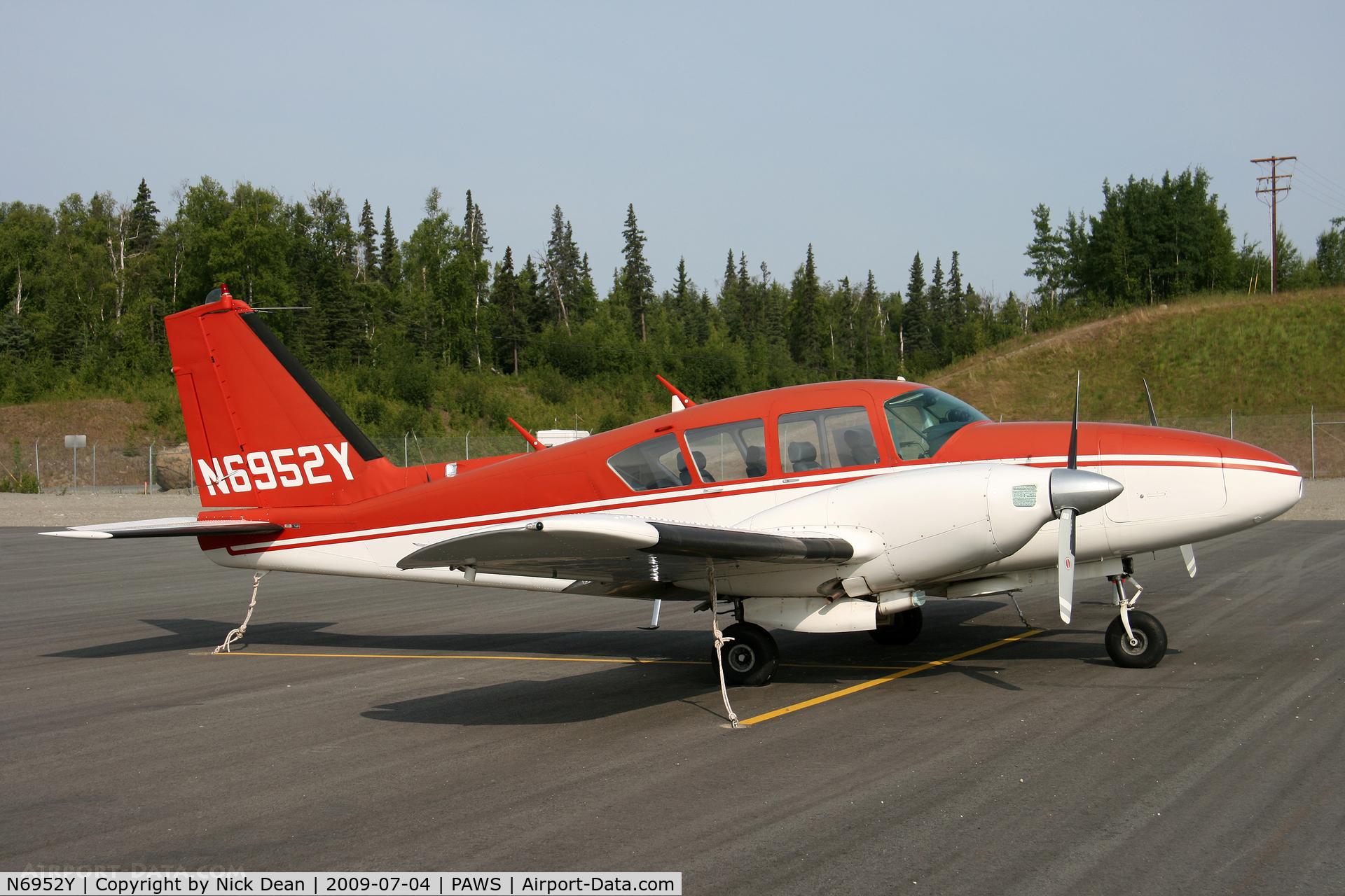 N6952Y, 1969 Piper PA-23-250 C/N 27-4316, PAWS