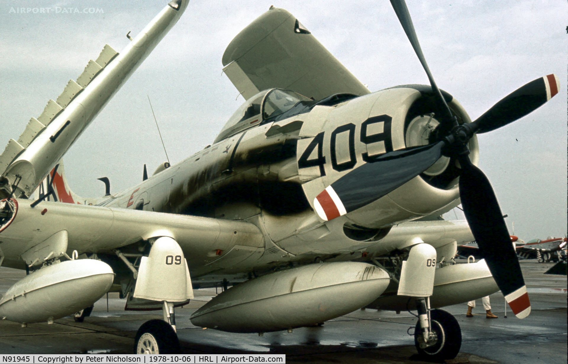 N91945, 1952 Douglas AD4-DW C/N 126882-SF85, As NX91945, this Skyraider was marked as Bu.137583 of VA-176 at the Confederate Air Force's 1978 Airshow at Harlingen.
