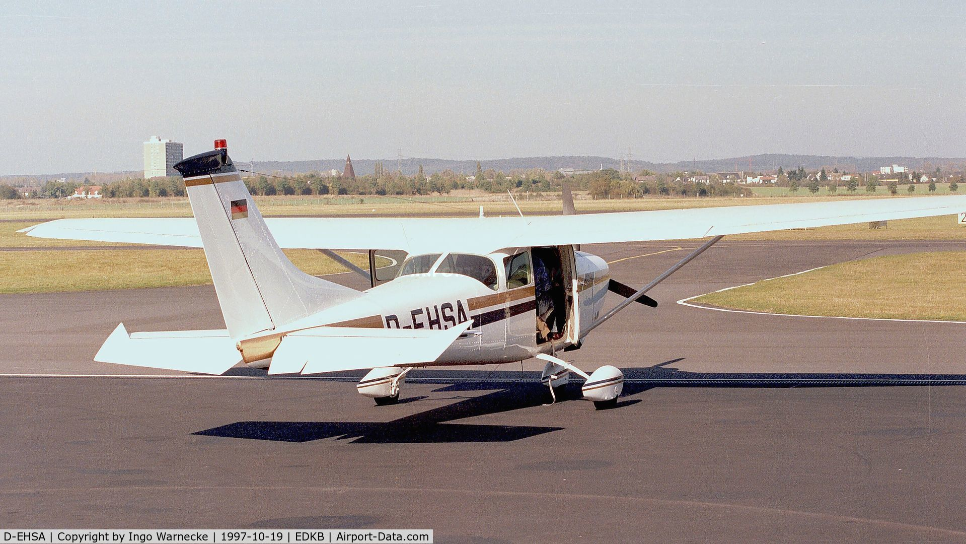 D-EHSA, Cessna 182F Skylane C/N 18254655, Cessna 182F Skylane at Bonn-Hangelar airfield