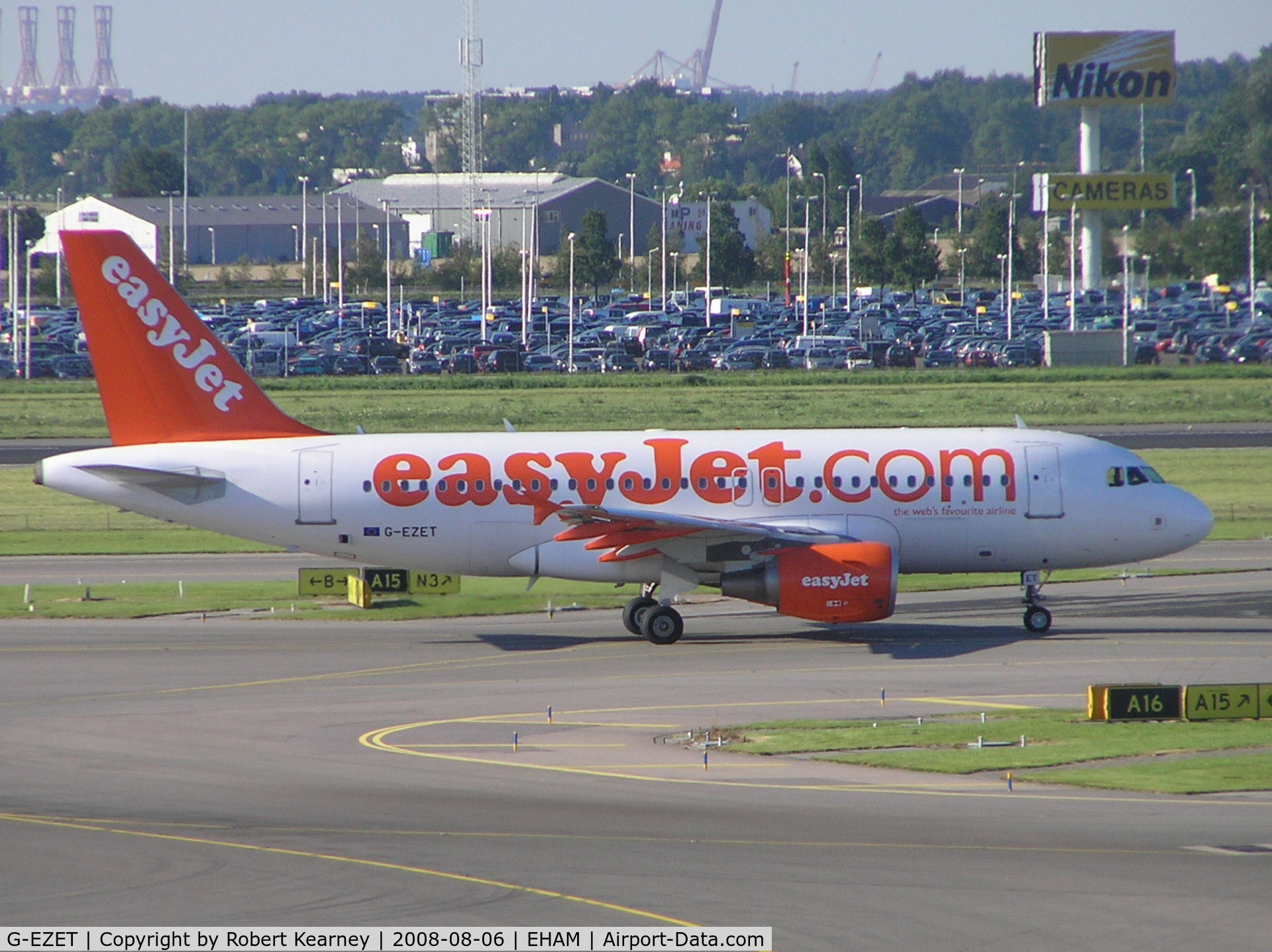 G-EZET, 2004 Airbus A319-111 C/N 2271, Easy Jet taxiing for take-off