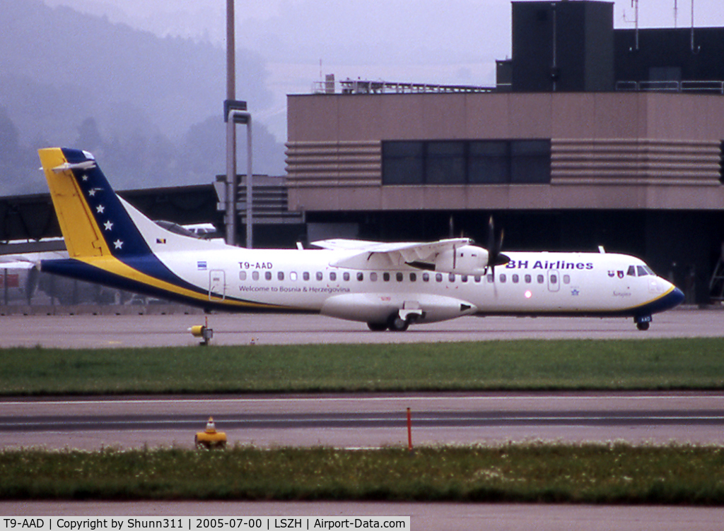 T9-AAD, 1995 ATR 72-212 C/N 464, Taxiing to his gate...