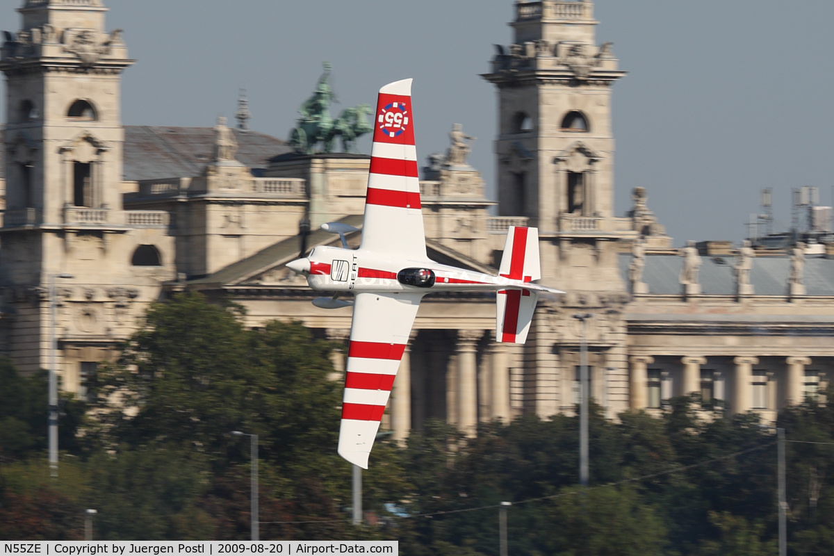 N55ZE, 2007 Zivko EDGE 540 C/N 0040A, Red Bull Air Race Budapest 2009 - Paul Bonhomme