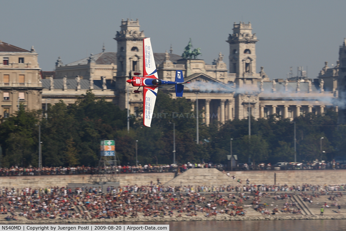 N540MD, 2008 Zivko EDGE 540 C/N 0043, Red Bull Air Race Budapest 2009 - Matthias Dolderer