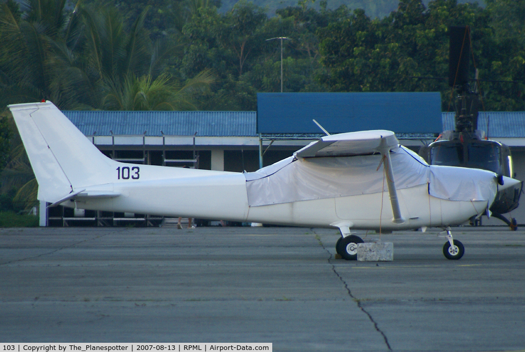 103, Cessna 172L Skyhawk C/N Not found 103, Cessna all White Scheme must belong to Air Force because wearing a Military Reg 103