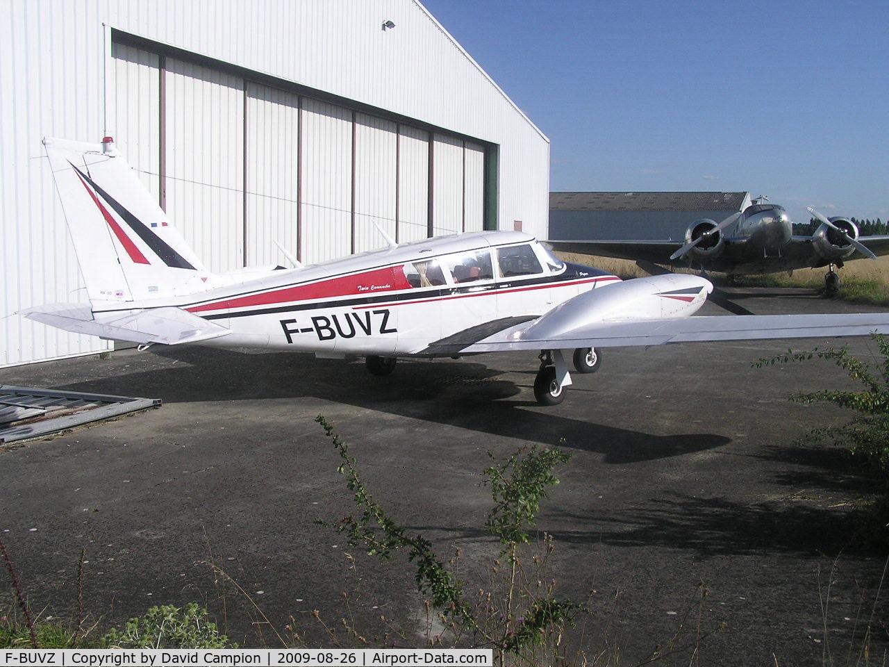 F-BUVZ, Piper PA-30-160 Twin Comanche B C/N 301379, Lognes, France