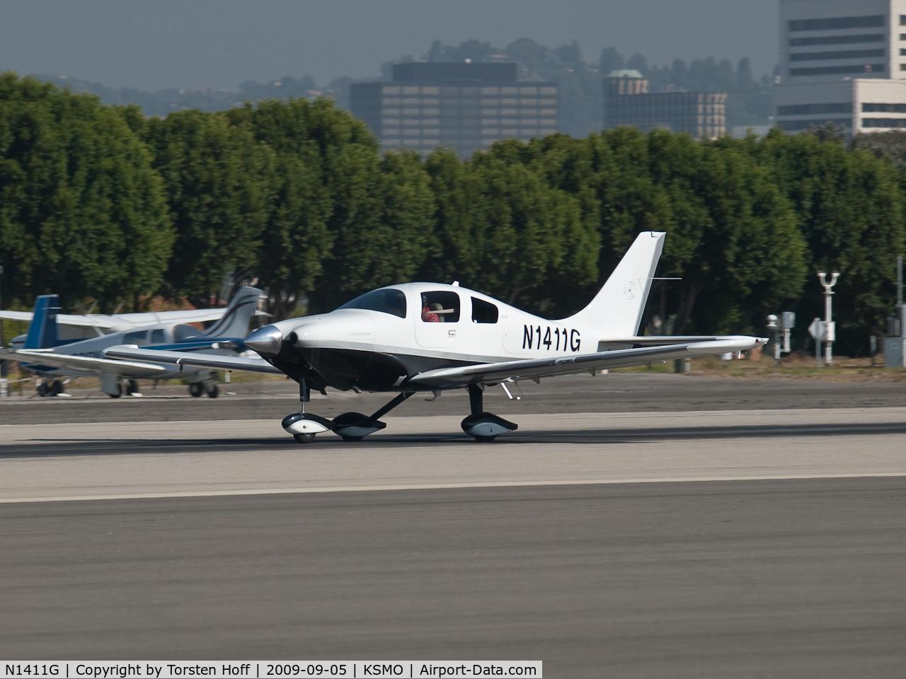 N1411G, 2007 Columbia Aircraft Mfg LC42-550FG C/N 42556, N1411G departing from RWY 21