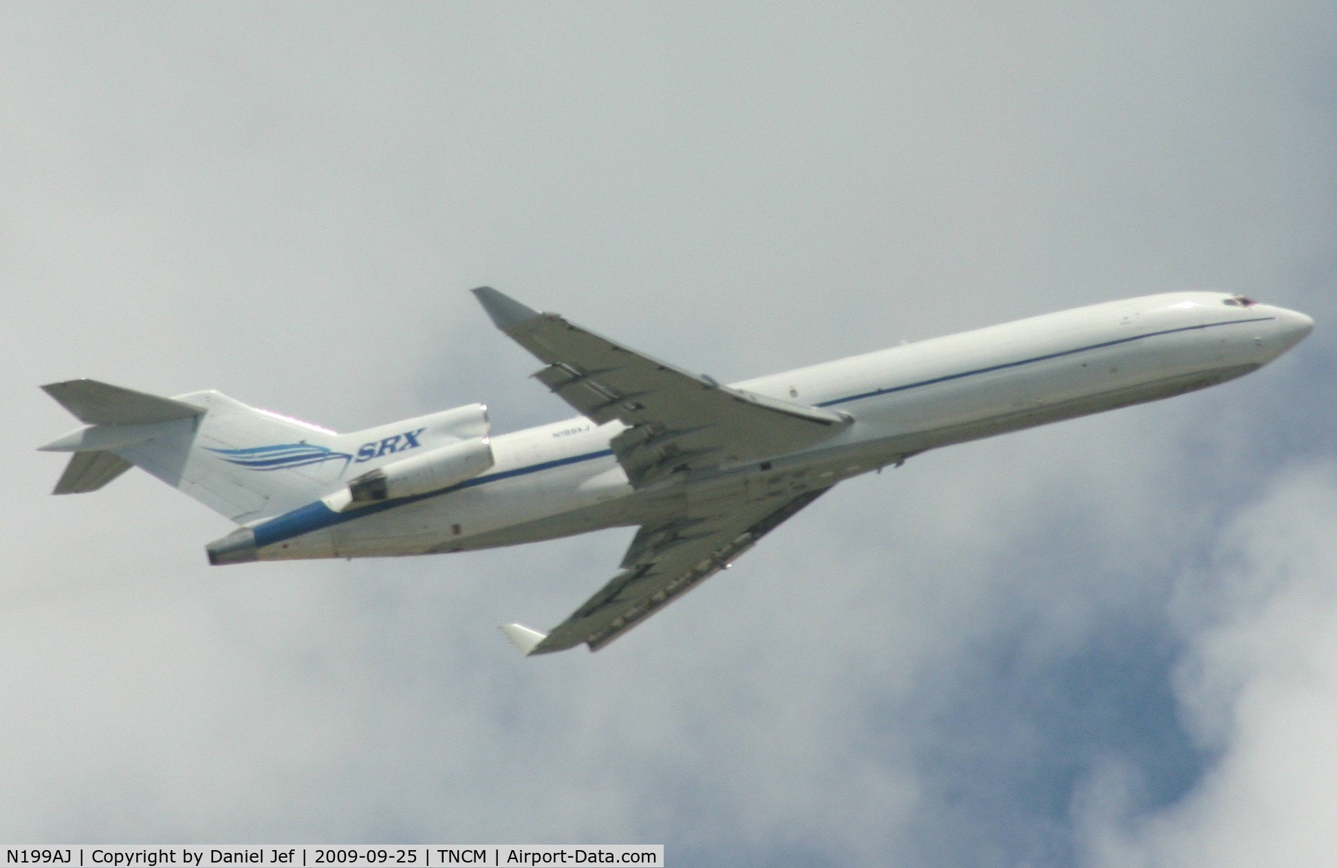 N199AJ, 1979 Boeing 727-2F9 C/N 21426, Just drop of there cargo and now on there way to TAPA