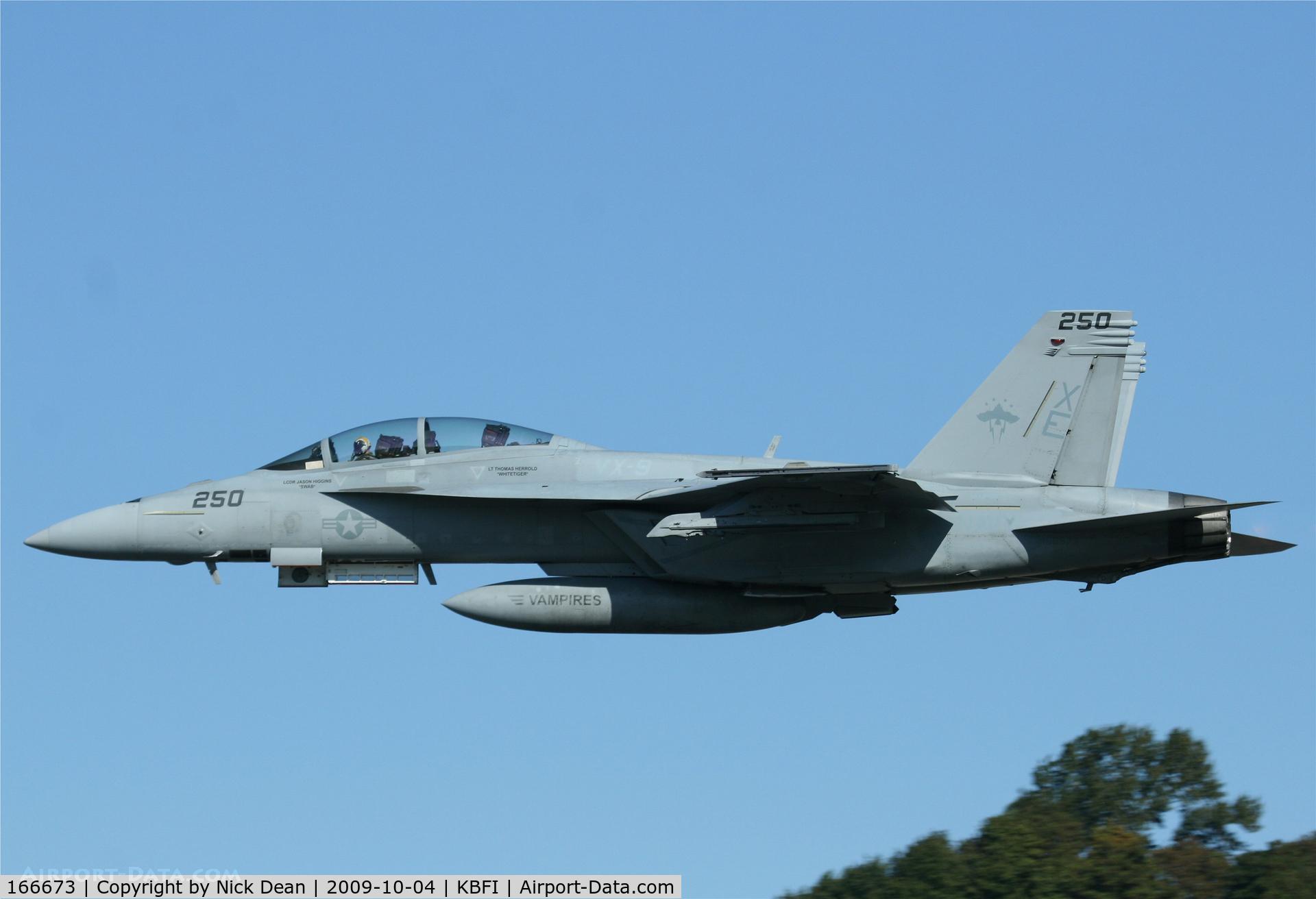 166673, Boeing F/A-18F Super Hornet C/N F151, KBFI