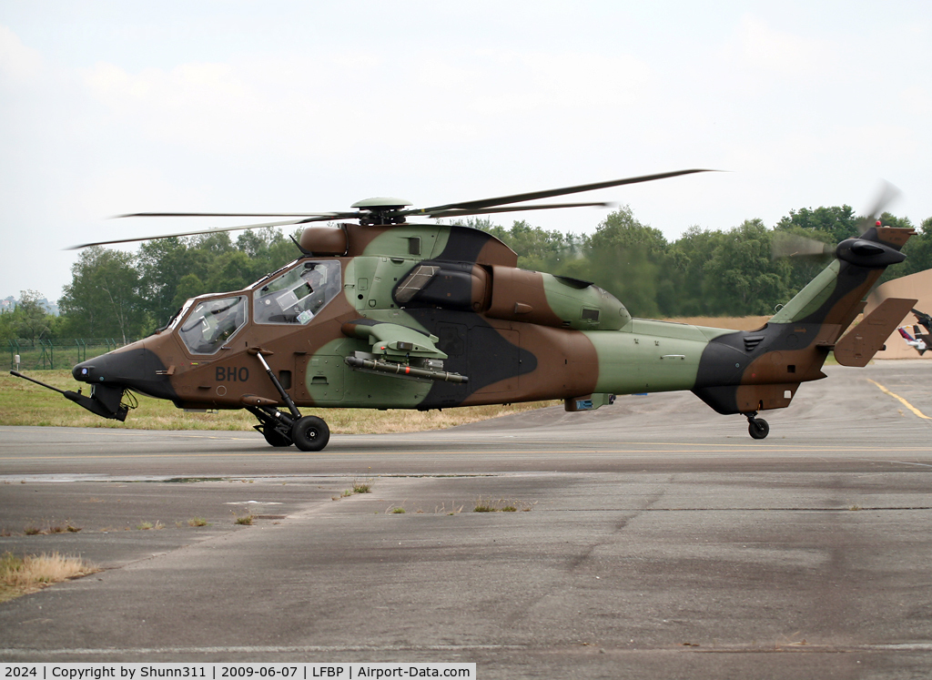 2024, Eurocopter EC-665 Tigre HAP C/N 2024, Taxiing for a his show during LFBP Airshow 2009