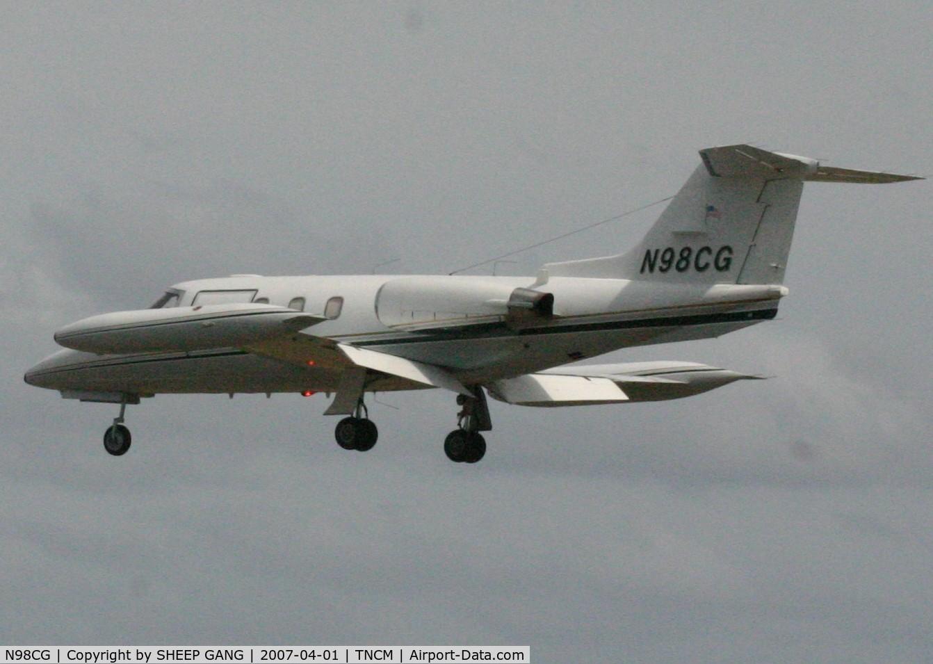 N98CG, 1976 Learjet 24D C/N 289, Landing at tncm