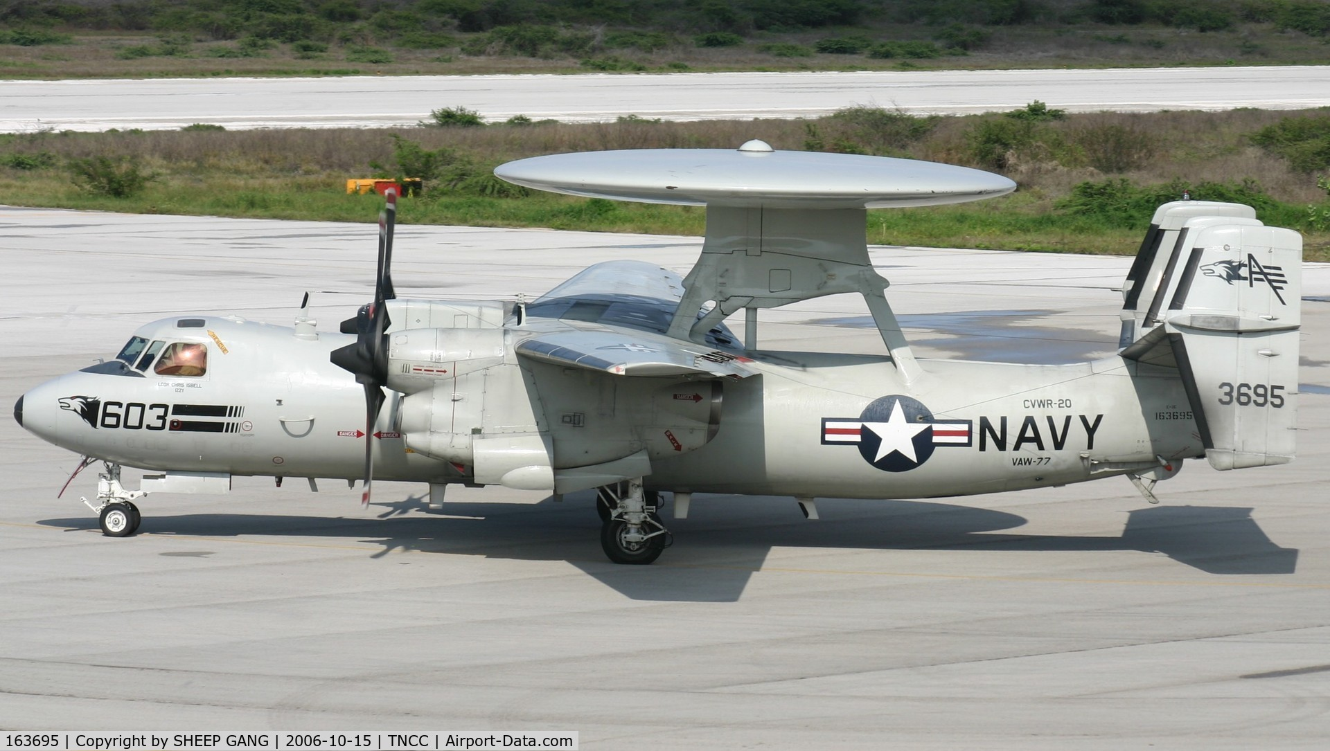 163695, Grumman E-2C Hawkeye Group 1 C/N A135, getting ready for departure