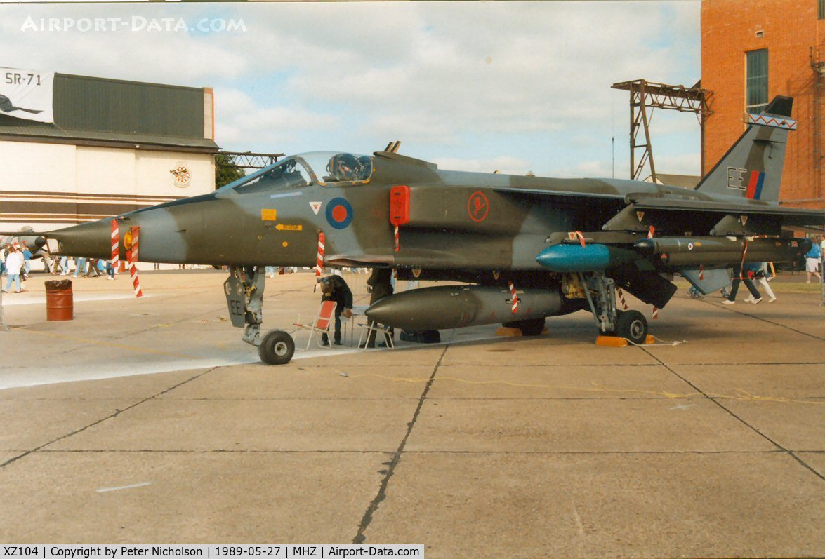 XZ104, Sepecat Jaguar GR.1A C/N S.105, Jaguar GR.1A of 6 Squadron on display at the 1989 Mildenhall Air Fete.